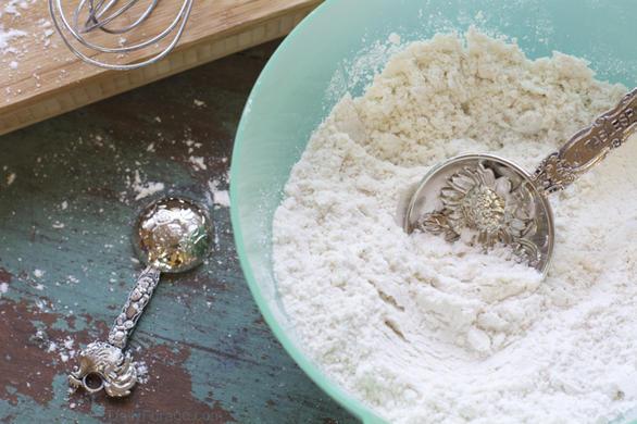 Gluten Dairy Free All Purpose Flour Mix by DailyForage.com
