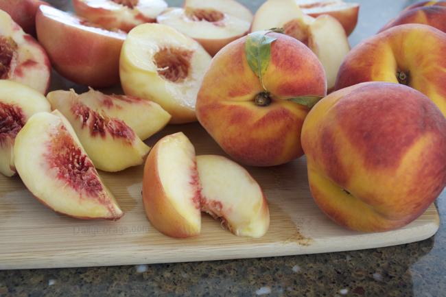 Fresh Peaches by dailyforage.com