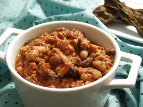 Gluten and Dairy Free Chicken, Bean, and Chipotle Pepper Chili by DailyForage.com