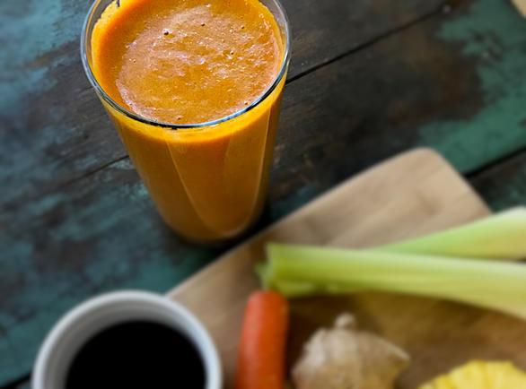 Anti-Inflammatory Pain-Reliever Pineapple Turmeric Juice by DailyForage.com