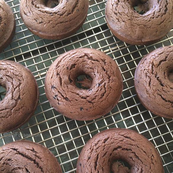 Gluten dairy free chocolate espresso doughnuts by dailyforage.com